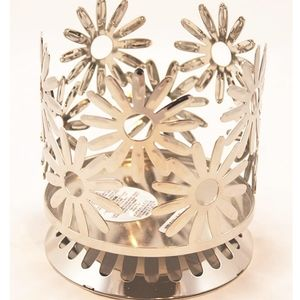 Bath and Body 3 Wick Daisy Candle Holder